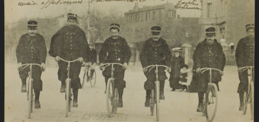 Brigade cyclistes (Archives municipales de Marseille : 88 Fi 579)